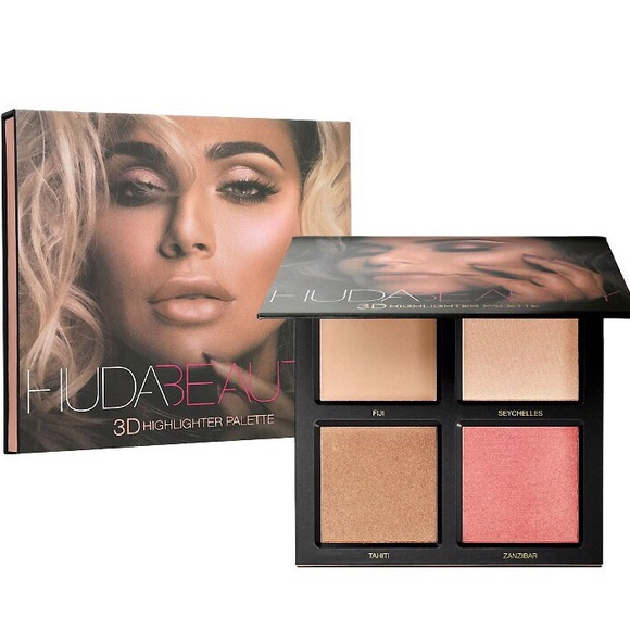 HUDA BEAUTY Other - NWT HUDA Beauty 3D Highlighter Palette